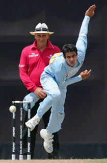 Sangwan of INdia bowling against New Zealand (Photo: ICC)